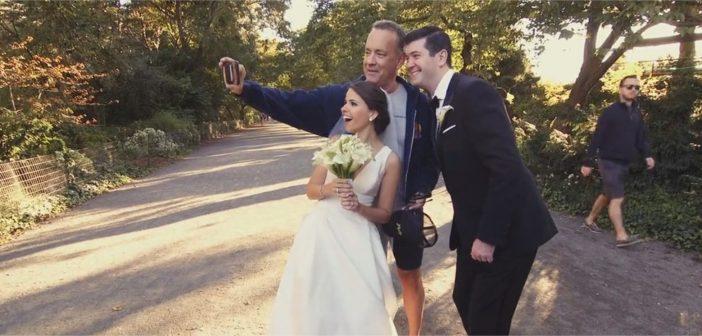 Tom Hanks s'invite à une séance photo de mariage