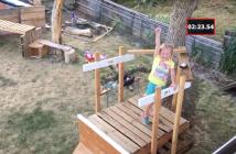 papa-construit-incroyable-parcours-bois-ninja-warrior-fille-5-ans-emission