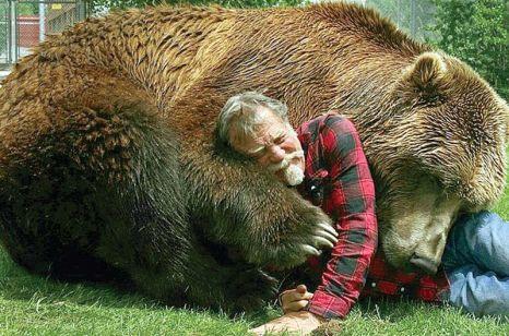 doug seus et bart une histoire d 39 amiti entre un homme et un grizzly impressionnant. Black Bedroom Furniture Sets. Home Design Ideas