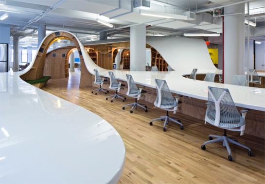 la-table-la-plus-longue-du-monde-335-metres-de-long-design-incroyable-300000-dollars