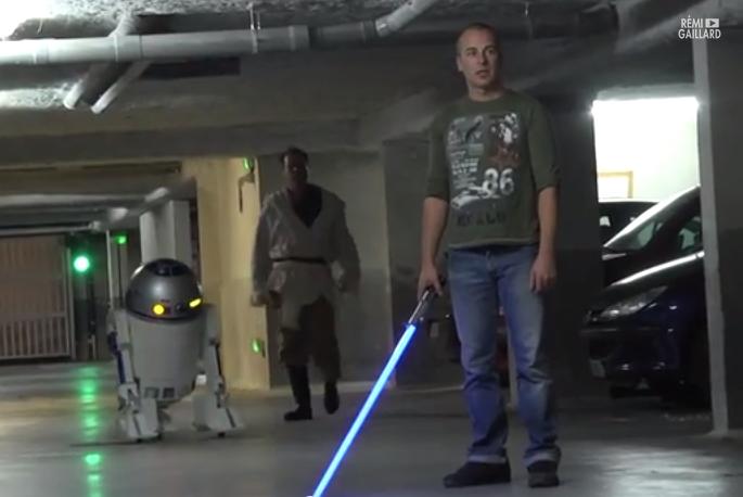 Camera Cachee Star Wars : Star wars revisite par remi gaillard un jedi tu seras camera cachee