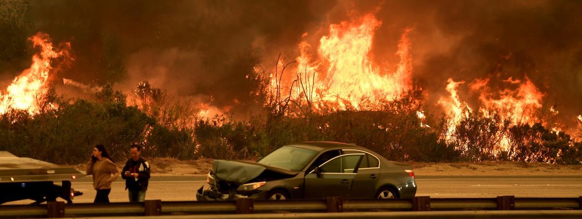 Aux Etats Unis Un Terrible Incendie Fait Rage En Californie